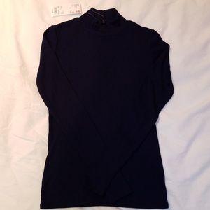 Uniqlo mock neck shirt
